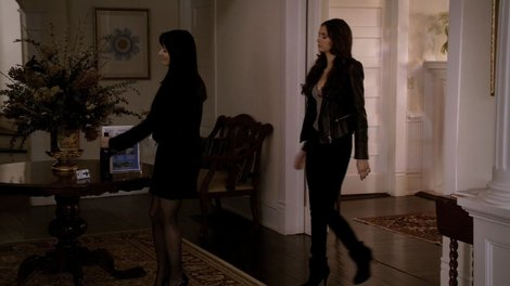 bebe-power-shoulder-fitted-leather-fabric-trim-jacket-and-the-vampire-diaries-gallery